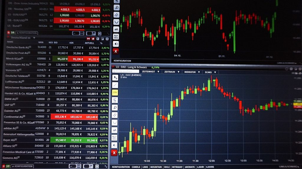 Trading Screens - Credit Pixabay.com